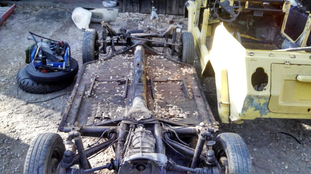 Original pan separated from the body of the '73 VW Thing.